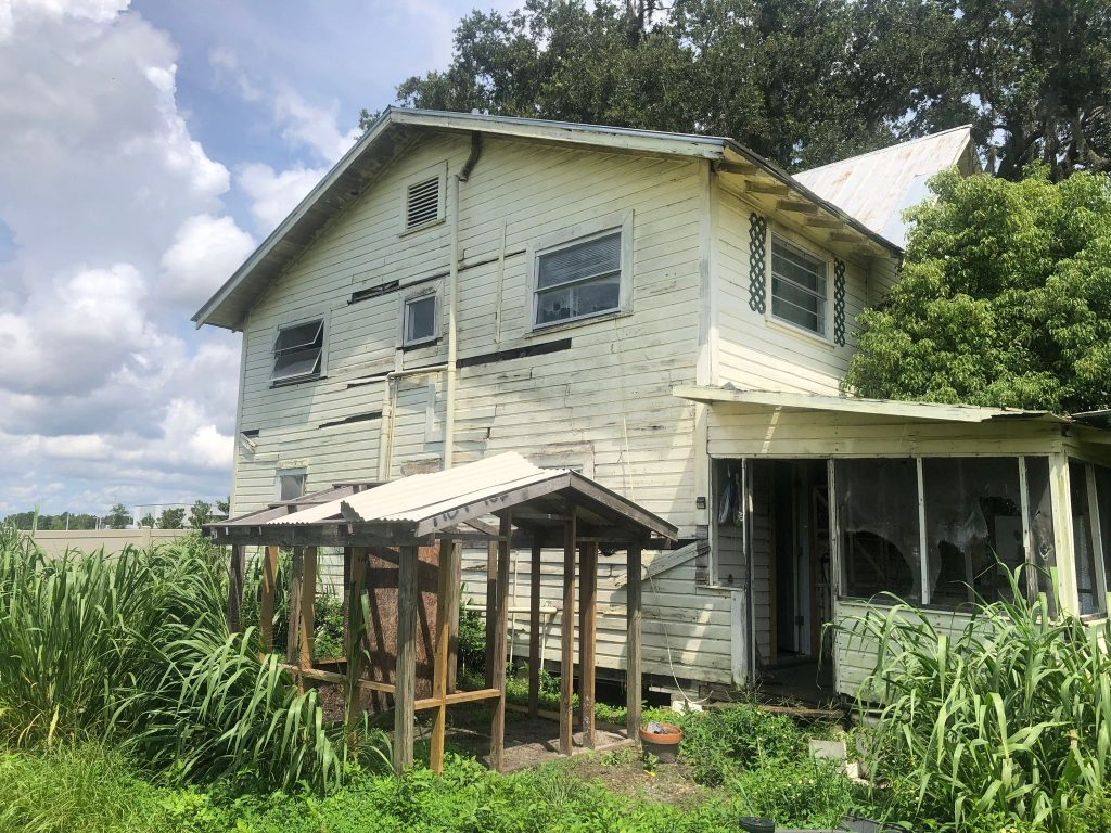 distressed property in orlando
